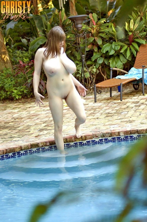 dirty-slash-nerdy:Christy Marks skinny dipping