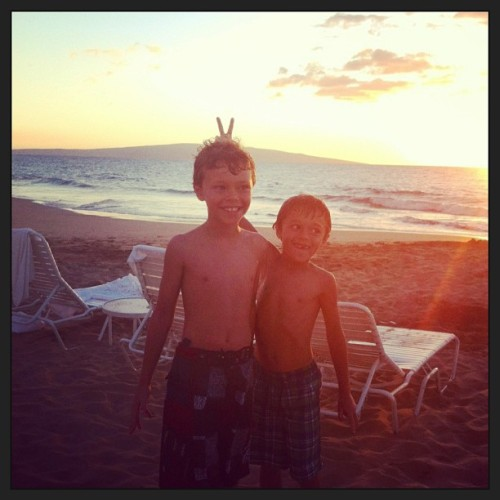 Brothers… #hawaii #maui #kids #brothers #beach
