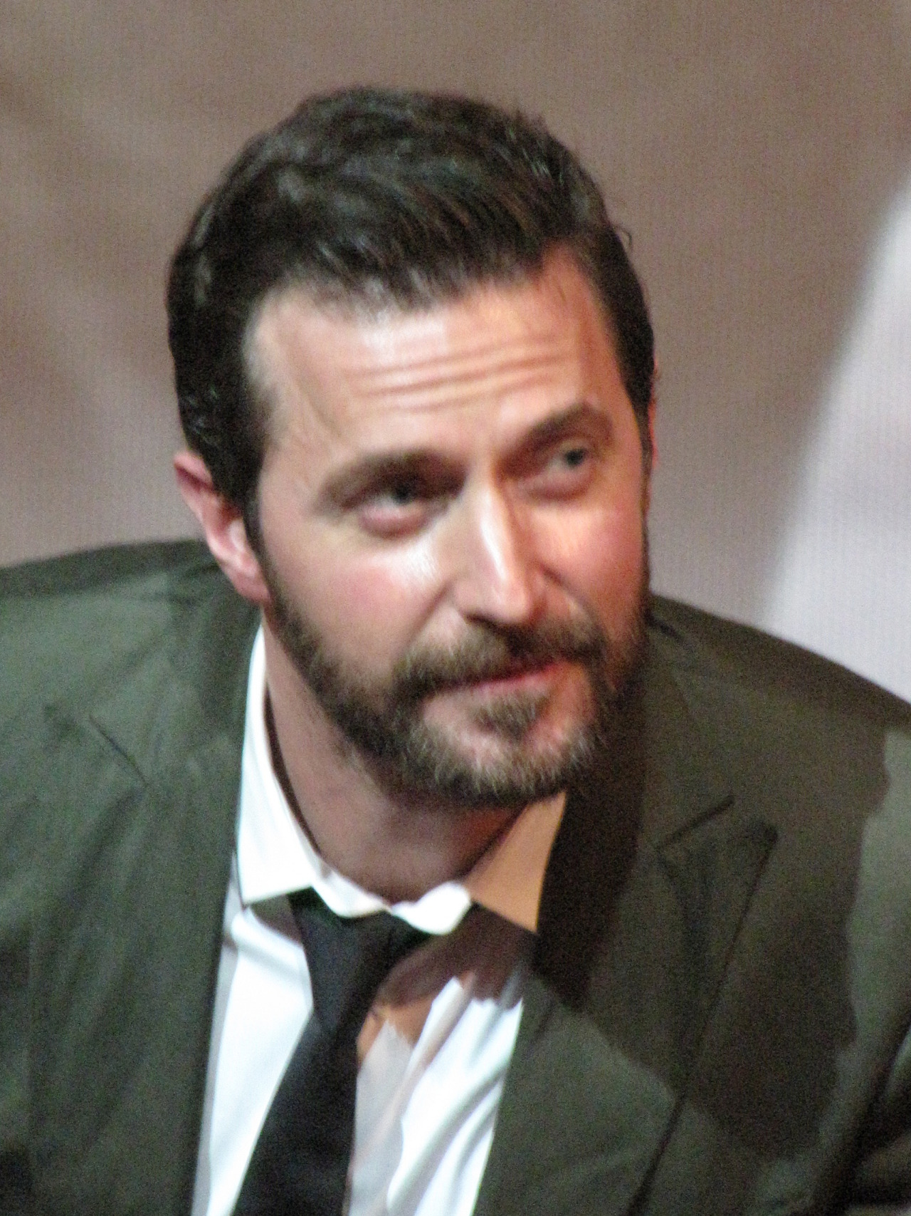 endorwitch:  Richard Armitage Popcorn Taxi Q&A - May 1 2013.Hayden Orpheum - Cremorne, Sydney.Good camera pics - part 4