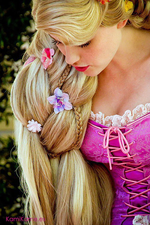 bedroom-tango:  sakafai:  Beautiful Rapunzel cosplay. Nice!  (via TumbleOn)