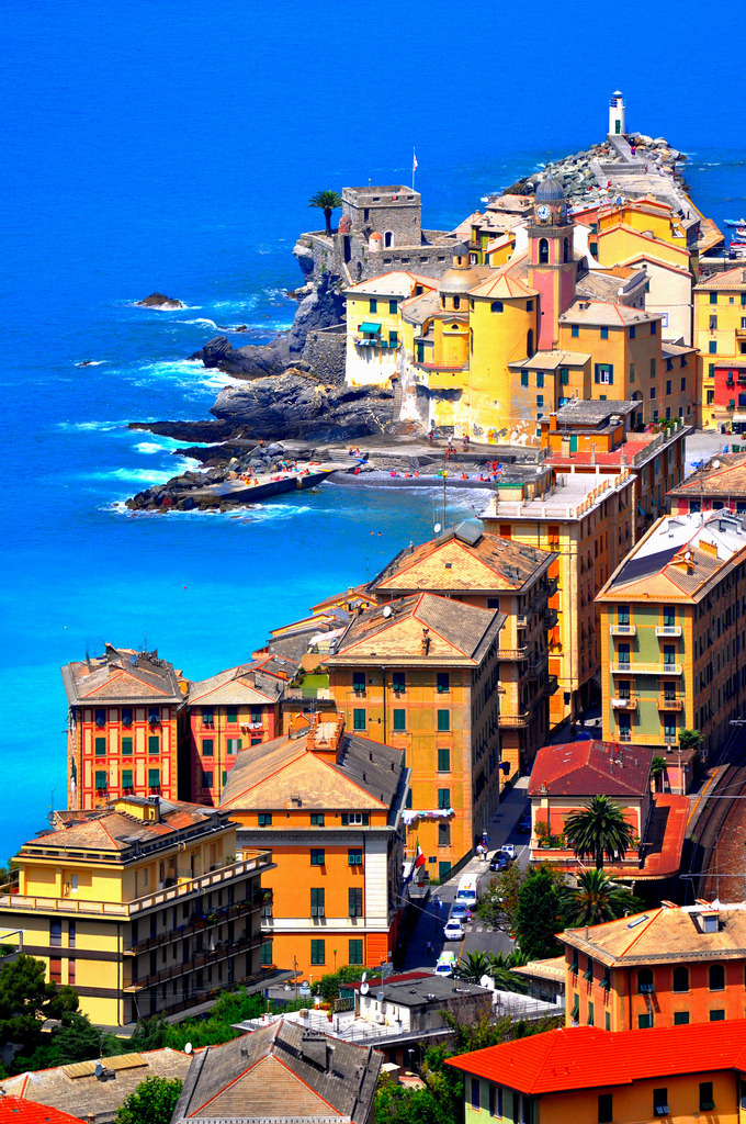 travelingcolors:  Camogli, Liguria | Italy (by Lino Cannizzaro)