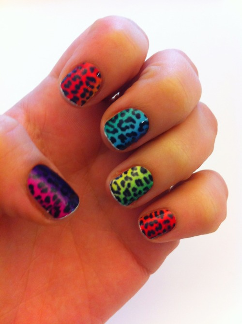 Lisa Frank or throwback sneaker graphics? Rainbow leopard gradient nail stickers by Vans & Minx.