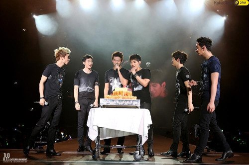 inkpoplandwithtaec:  Happy b'day handsome! Saengilchukahamnidan ❤❤❤❤