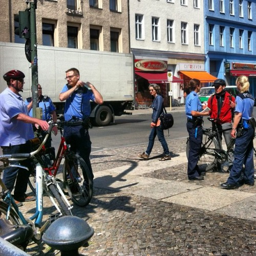 illustir:  Berlin police continue their harassment of cyclists