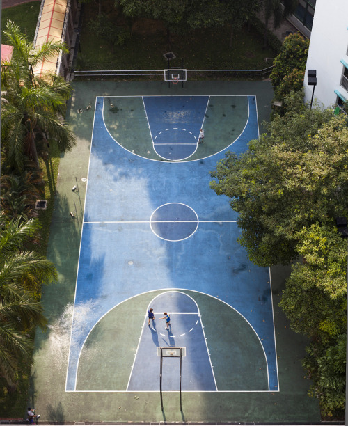 hiromitsu:  Basketball Court by 3-soft-ply on Flickr.