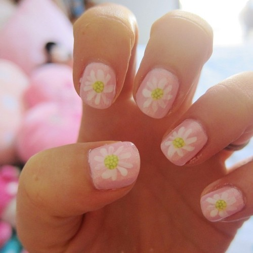 ♥ Lazy Daisy Nails ♥