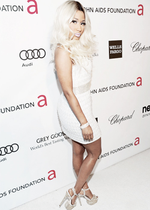 rivingtonlover:  Nicki Minaj at the Elton John Oscars Party 2013.