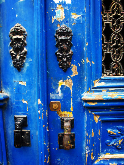 dailypost.wordpress.com:  Blue Door - Lisbon, Portugal by Cheri Lucas …when I turned a corner and saw this bright blue door, I couldn't help but admire it. ~Cheri Lucas Image: Cheri Lucas  Colour Inspiration…BLUE, BLACK + GOLD~#colourharmony