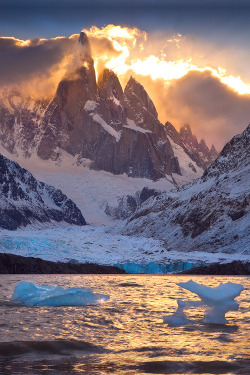 vurtual:  Fire and Ice (by AndersonImages)
