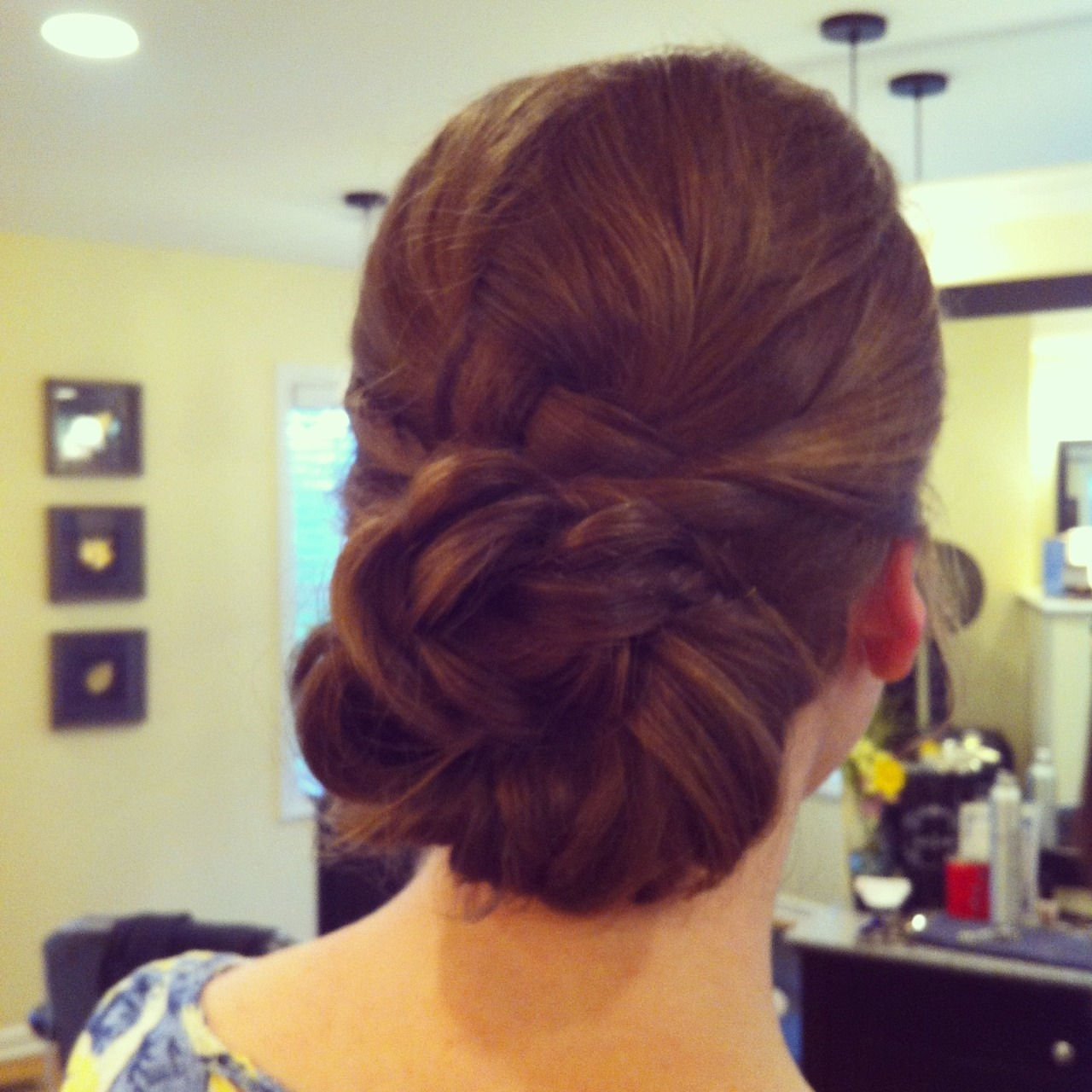 quitethequirkyone:  Prom hair! (Sorry for the prom spam)