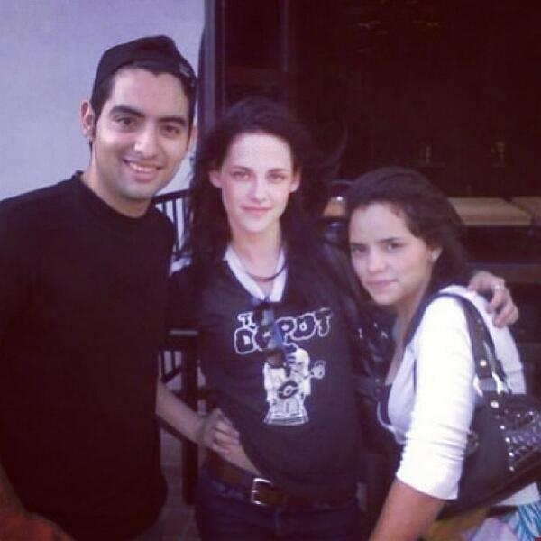 cray4kstew:  new #kristenstewart fan pic back from comic con 2008