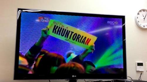 [FANTAKEN] Khuntoria banner appeared on MBC Gayo Daejun Khuntoria n khuntorian everywhere..love it..<3 Cr: nai religion via @mokcheng0828 - welovekhuntoriath Lils
