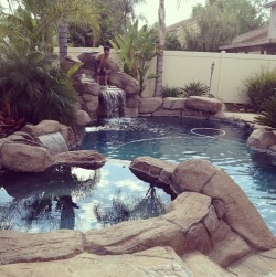 toxicatedfuck:  my aunt's pool 😍🙌 »»