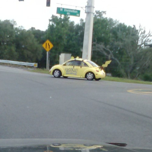 devonmilam:  JUST SAW A FUCKING #pikachu #punchbuggy #Volkswagen #pokemon #bestthingiveseenallmylife