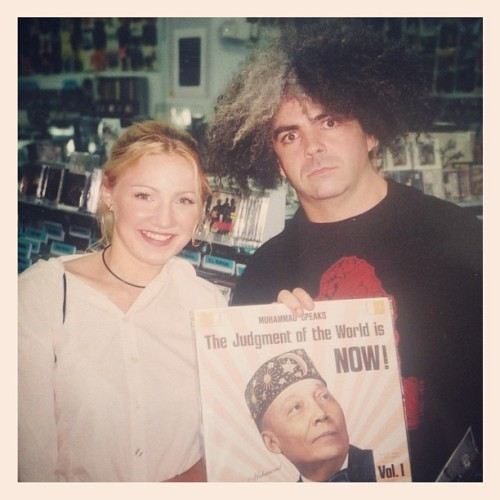 Happy #recordstoreday (with king buzzo at #amoebarecords Hollywood in 2002)