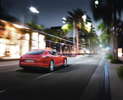 Porsche Panamera GTS, luxorium by luxorium on Flickr.