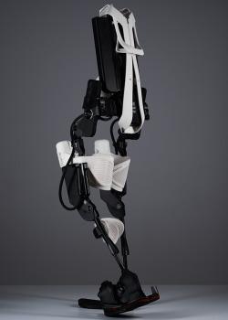 rhubarbes:rhubarbes:Bionic Interval on Behance by Gustavo Fricke More on RHB_RBS