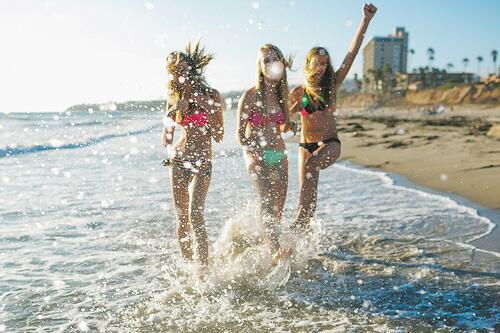 Summer FUNNNNN!!! on We Heart It - http://weheartit.com/entry/62185050/via/lara_barroso_17   Hearted from: https://twitter.com/PetrovaSofia