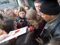 tt4taylor:  Taylor outside of Schlag den Raab meeting fans - 12/15/12