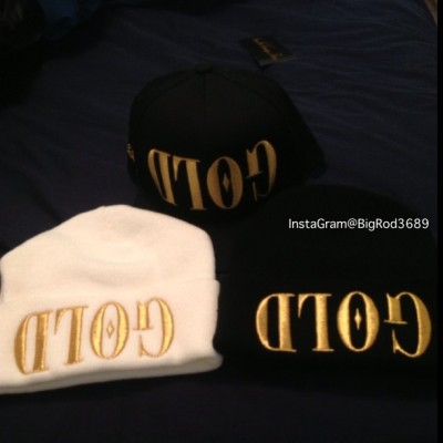 Just got my new shit in!  #GOLD #GOLDbeanie #GOLDsnapback #blacksnapback #chrisbrown #rihanna #omarion #teyanataylor #sunset #flex #svf #whiteGOLDbeanie #blackGOLDbeanie #GOLDhat #fashion #swag #fresh #sunsetvintageflex #sunsetvintage #highfashion #beanie #skully #hat #snapback #style #whiteGOLD #blackGOLD #snap #dope #tagsforlikes