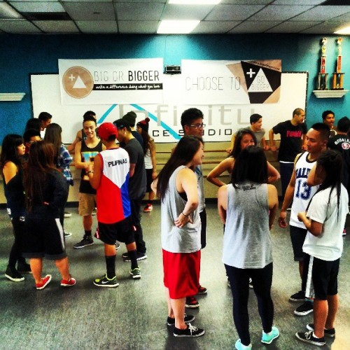 Ice breaker time! Dancers from around the Bay making new friends. :)
