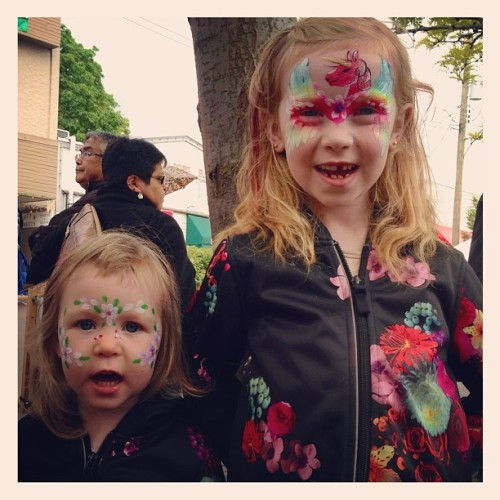 Such good face paint!  (at Duncan Farmers Market)