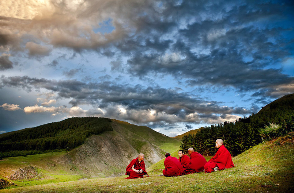Living In Tibet (via one big photo)