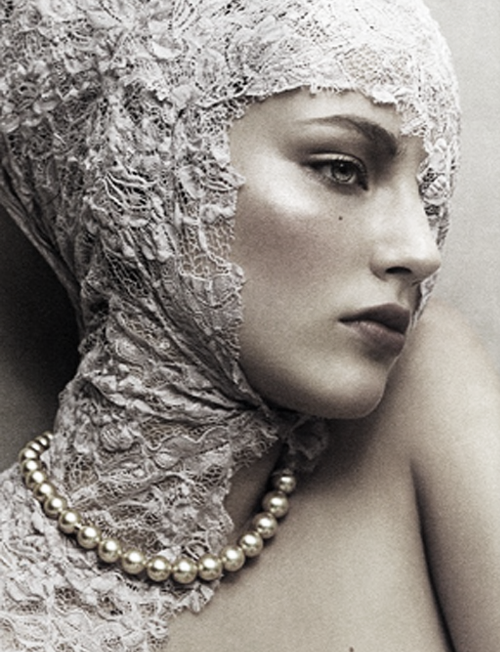 "pivoslyakova:  Ruslana Korshunova in ""Pearl Perfection"" by Junji Hata 