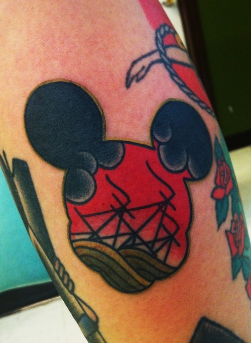drewcanadatattoo:  made this mickey head tattoo the other day. i work in Austin, TX at Amillion Tattoo. follow me on instagram @drewcanadatattoo. thank you  very neat