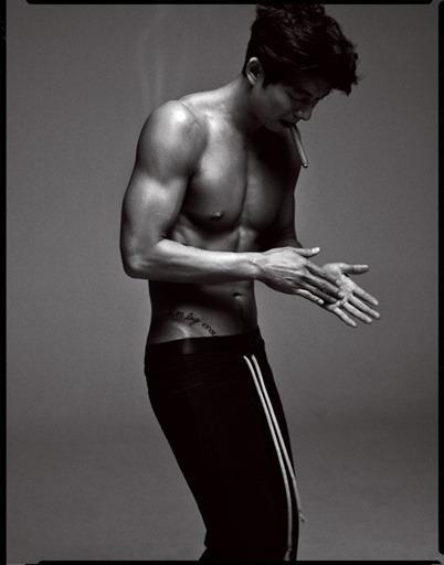 aznboizaresex:  Gong Yoo, profile (via GONG YOO MY STAR) click here and press space bar for more aznboizaresex