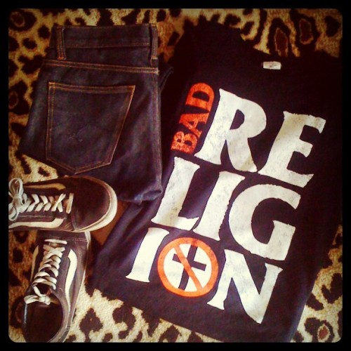 vans, jeans, punk rock t-shirt