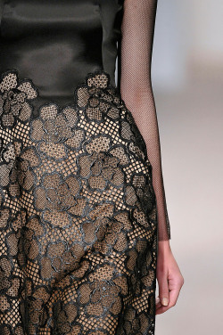 girlannachronism:  Marios Schwab fall 2012 rtw details