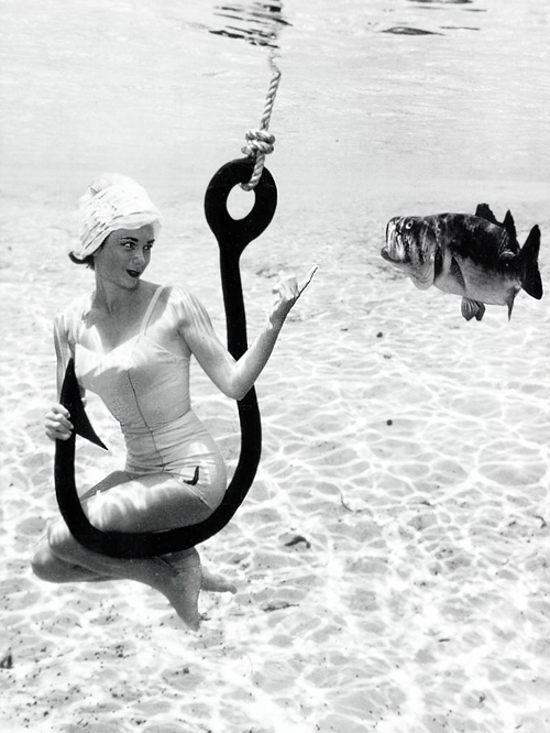 vintagegal:  The underwater photography of Bruce Mozert c. 1950s (x)