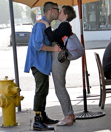 everythingyntk:  fun.'s Jack Antonoff + Lena Dunham  smooching in Hollywood this past weekend….