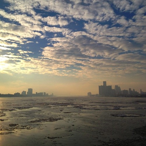 #detroit #michigan #belleisle #sky  (at Sunset Park)