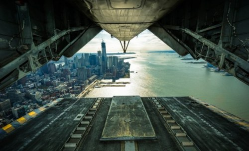 theblackworkshop:  Lower Manhattan  *lowering into manhattan