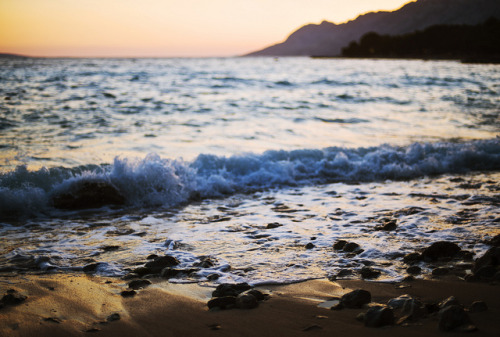 oceansing:  Summer as I remember it by *December Sun on Flickr.