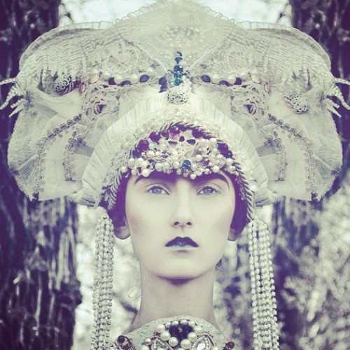 Head dress #beauty #foundphoto #darkbeauty #goth #retro #tumblr #blog #fashion