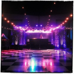 The quiet before the storm!!!!!! @neon_carnival    Dance floor!!!!   (at Neon Carnival)
