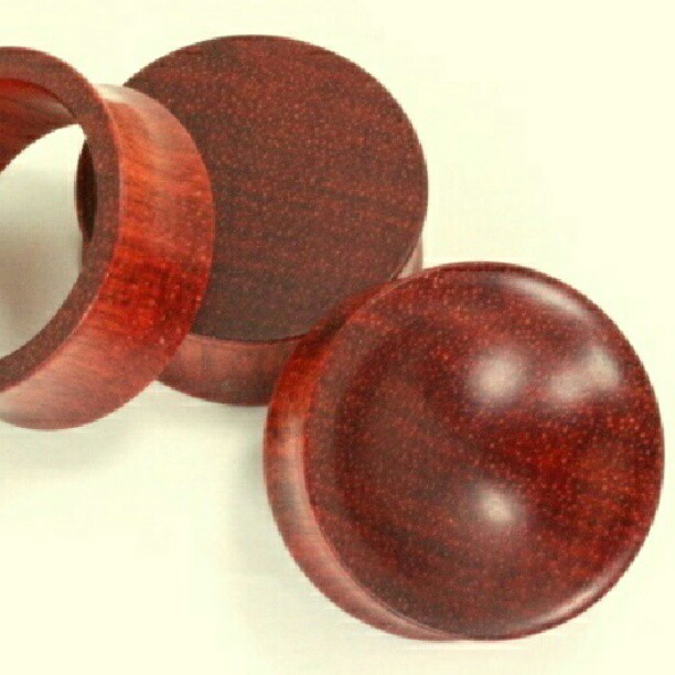 I want concave blood wood plugs soo bad