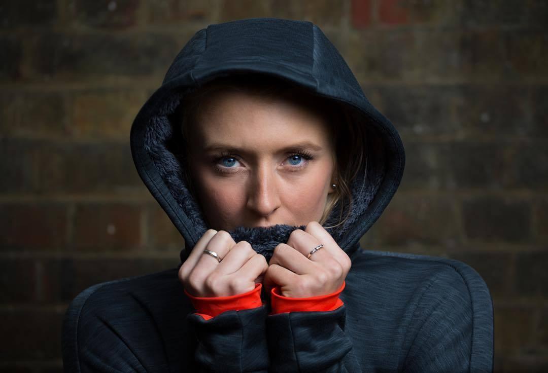 @zannavandijk wrapping up warming on a shoot for @adidasuk #climaheat #battersea #winter #wintertraining #london #girlgains #zannavandijk (at Battersea Park)