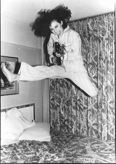 Susanna Hoffs of The Bangles jumping on the bed in the 80s.  One of my first crushes, I've always had good taste.  Follow Rad Recorder into the DeLorean and let's go back to the late 80s and date all of the Bangles.
