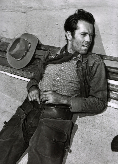 oldfilmsflicker:  Henry Fonda in The Ox-Bow Incident