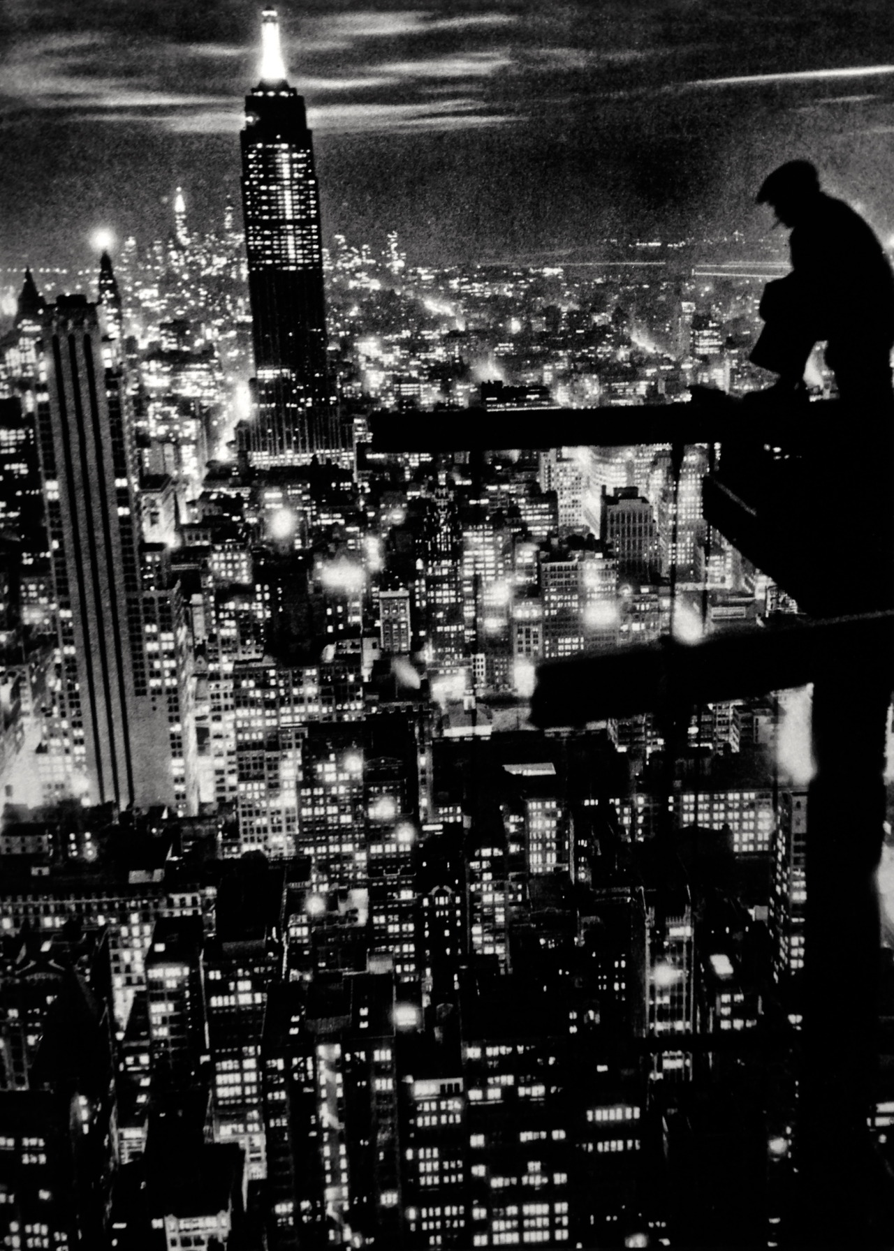myskygarden:  Skyscraper:  New York City 1932, Photo: Anonymous