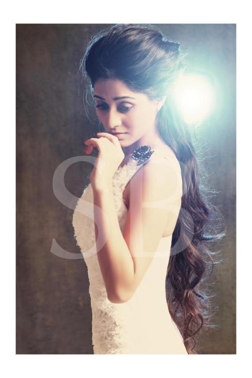 Simply Stunning @saumya_seth