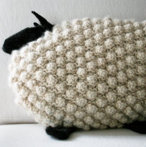 truebluemeandyou:  DIY Knit Labor of Love Bobble Sheep Pattern and Tutorial from The Purl Bee here. Detailed pattern and instructions on how to make this bobble pattern.