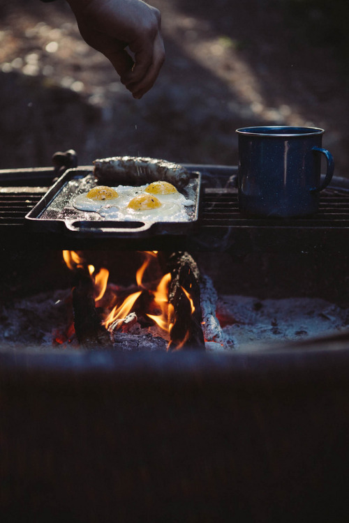 kiyoaki:  (vía Always With Butter: camping.)