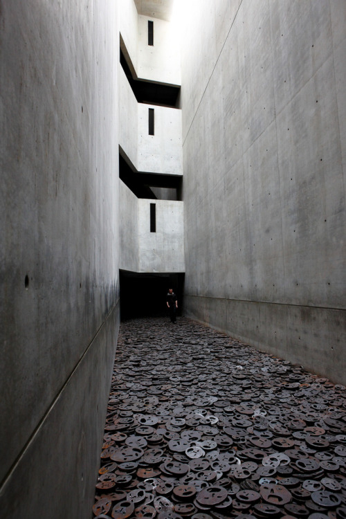 ryanpanos:  Jewish Museum Berlin designed by Daniel Libeskind - photo by geniessen