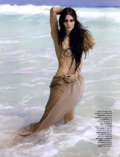 Summer is closer than you think. :) Vogue España April 2009
