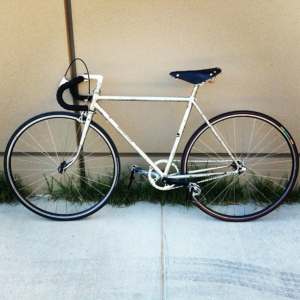 Well look who's back. #done #finished #fixie #fixedgear #rebuild #motobecane #france #french #parts #nobueno #bike #cycle #bicycle #bikemonth #cardiff #seatpost #leather #bronze #german #germany #igers #iphone #iphoneonly #instagood #instamood #igdaily #cali #cal #california  #norcal  (at The WELL at Sac State)
